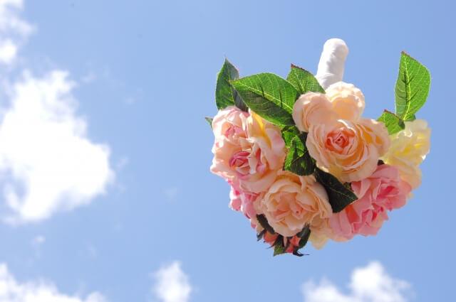 【社会】結婚式のブーケトスで「独身彼氏なしの方々」と名指し! 無神経な新婦に「結婚した途端、独身見下す人じゃん」