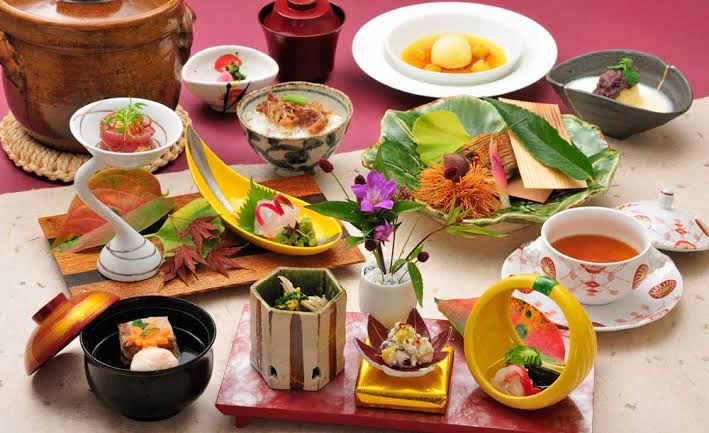 【和食】なぜだ! 欧米ではなぜ「日本料理の地位が高く、中華料理の地位は低いのか」