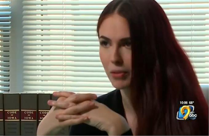 【画像あり】売春副業で月600万稼ぐ美人弁護士