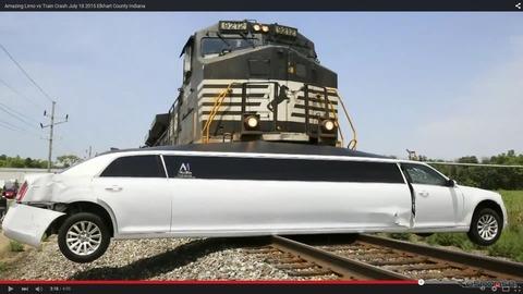 【京急線 踏切事故】電車の運転士「手動でブレーキも間に合わず」…カメラにトラックが立往生するなか遮断機のバーが閉まる様子が写る