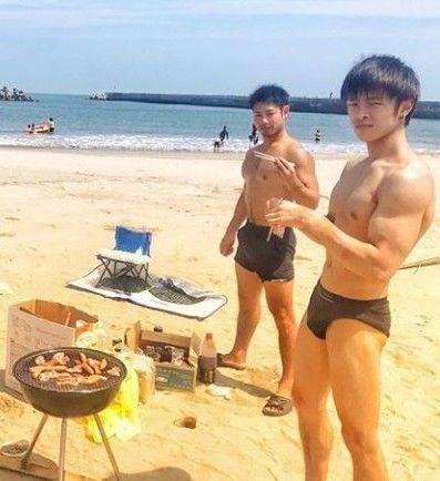 【画像】男ならこれくらいの筋肉は欲しいよな?