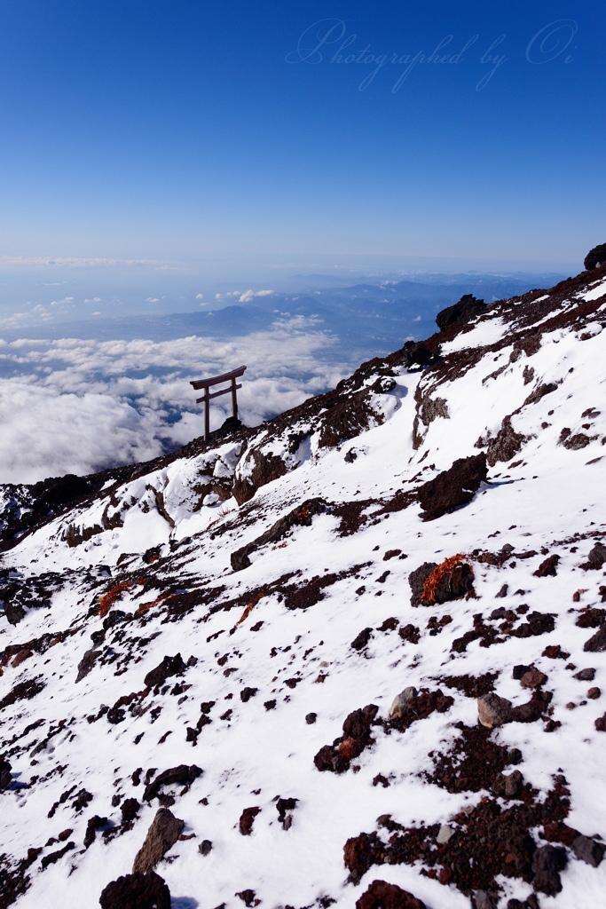 【ライブ配信】<ニコ生主>軽装で富士山で登山し滑落か「あっ、滑る」最後に動画はストップ 遺体が発見され身元の確認中※動画