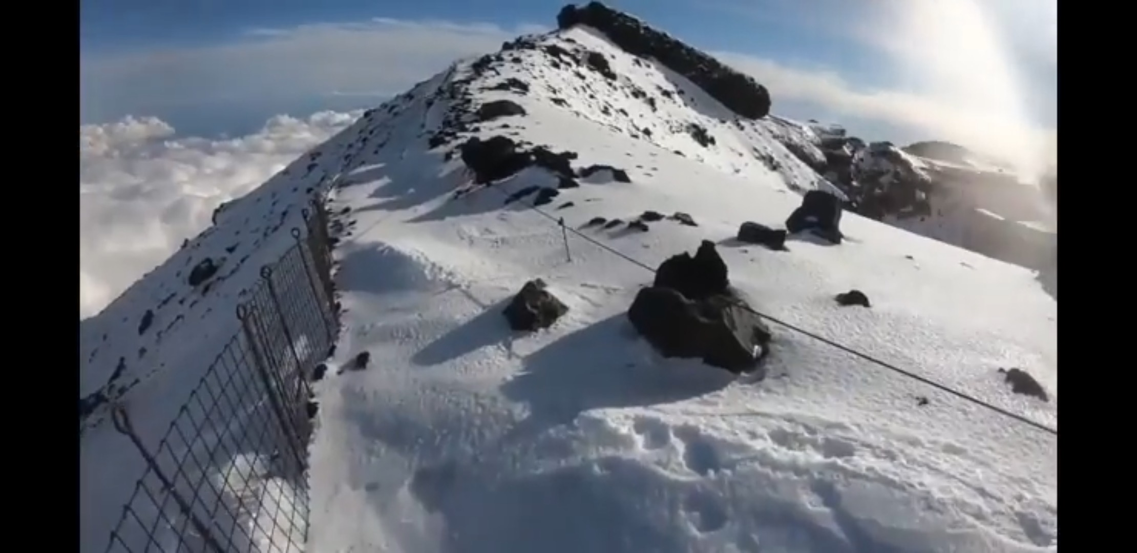 富士山頂から滑落したニコ生主 発見された遺体は損傷が激しい模様