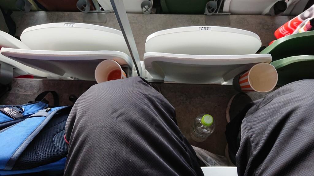 新国立競技場、マジで狭すぎる 真ん中の席はオムツ必須へ